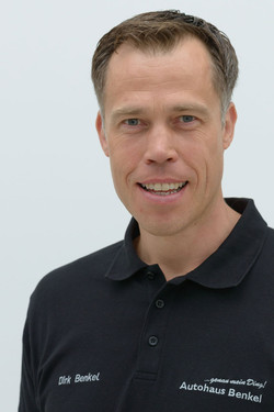 Dr. Dirk Benkel